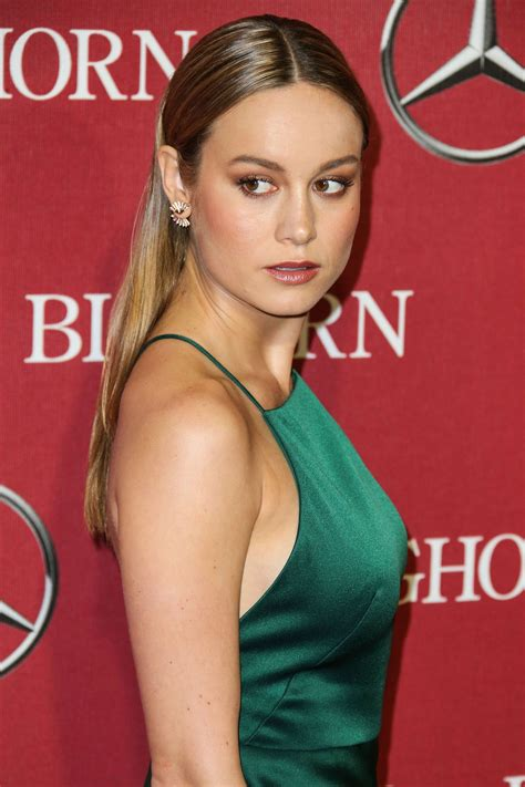 Oscar-Nominee Brie Larson's Hair is a Red Carpet Win   Vogue