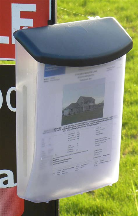 Outdoor Literature Dispenser   Outside Flyer Box with Lid