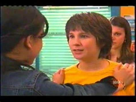Suzie and Ned-kiss the girl - YouTube