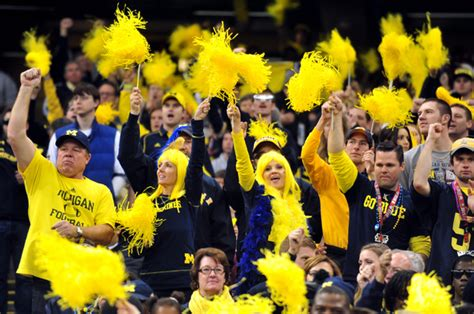 Final polls disagree on whether Michigan is top-10