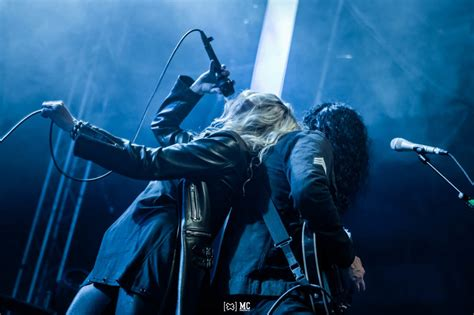 Live bei: THE PRETTY RECKLESS und THE CRUEL KNIVES in