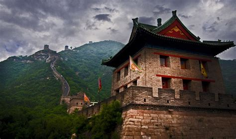 Watch: There's A Rave Happening On The Great Wall Of China