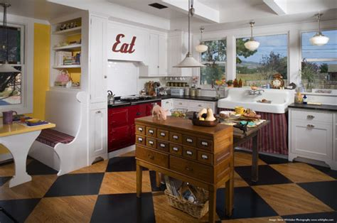 15 Funky kitchen islands that will make you jump on the