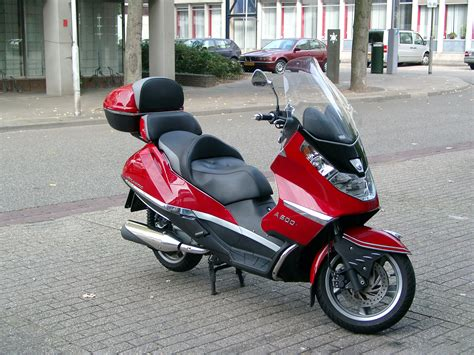 Can you ride a Aprilia Atlantic 500 with an A2 licence?