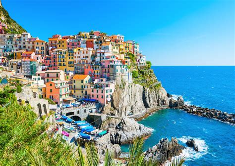 The best way to explore Cinque Terre, Italy, is from