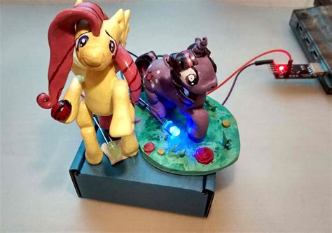 Internet is magic - Glowing ponies show your friends