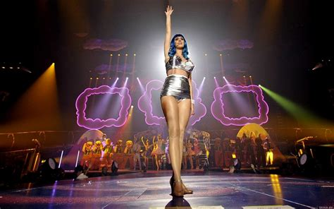 Katy Perry Looking To Make 3D Concert Movie With Paramount