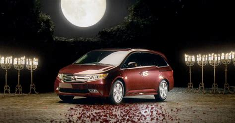 Minivans Avoid That Name in Search of a Sporty Image - The